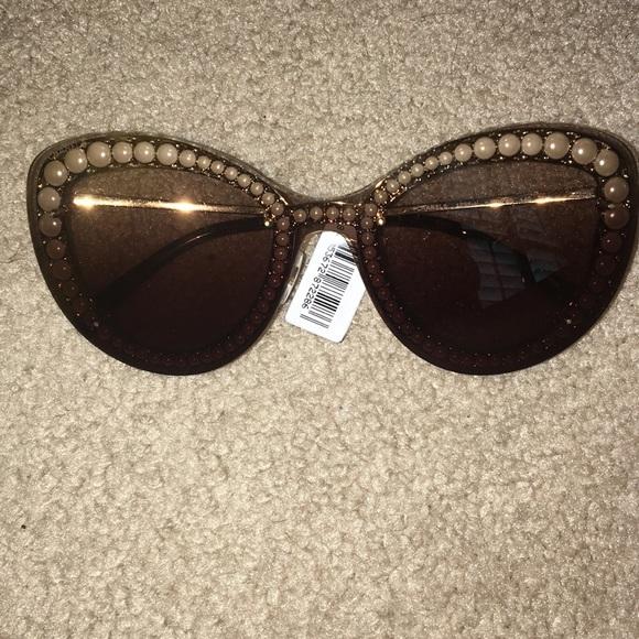 cd67b6a9598 Pearl Chanel sunglasses
